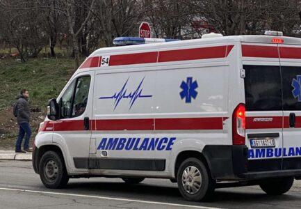 LANČANI sudar u Novom Sadu: Povređene četiri osobe, među njima BEBA i devojčica, prevezeni su u bolnicu