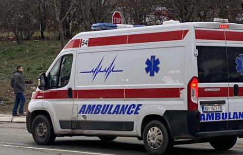 Užas na Zrenjaninskom putu: Muškarac (44) oboren kod skretanja sa Kotež, hitno prevezen u Urgentni