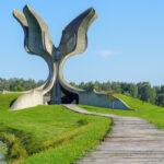 Ništa im nije sveto: Otkopavaju grobove stradalih Srba, nemaju milosti ni prema žrtvama Jasenovca (FOTO)