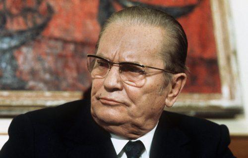 Pucali na Srbina jer je otkrio TITOVU pravu krštenicu? Zbog Brozovih mračnih TAJNI u Beču prolivena krv