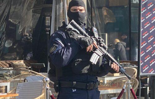 NOVI UDARAC na kriminalce! Policija pretresla stan u Kaluđerici, pa uhapsila dvojicu dilera