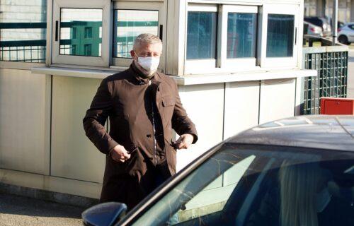 Kokeza saslušavan četiri sata: PRVE FOTOGRAFIJE predsednika FSS po izlasku iz prostorija SBPOK! (FOTO)