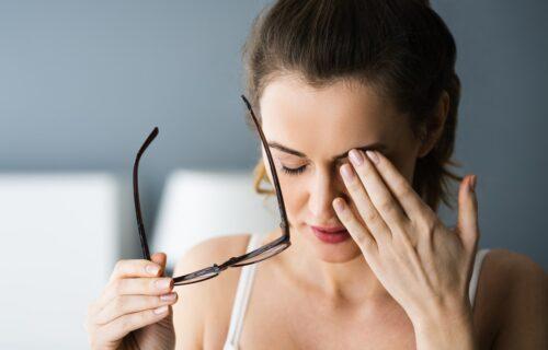 Boravak u zatvorenom utiče na ljudski vid: Naučnici objašnjavaju šta je KARANTINSKA kratkovidost