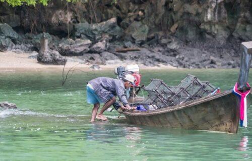Siromašni ribar obezbedio ženu i decu: Iz reke doneo OVO u kuću i saznao da vredi 280.000 EVRA (FOTO)