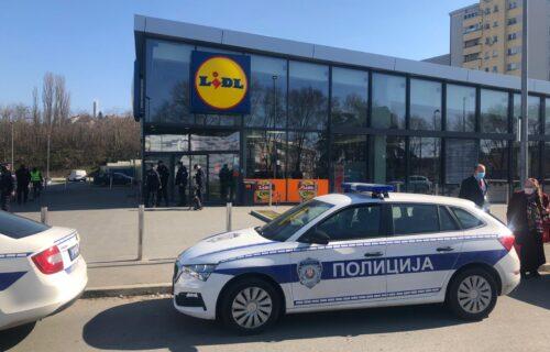 LAŽNA dojava o bombi u Lidlu: Kupci i zaposleni se vratili unutra