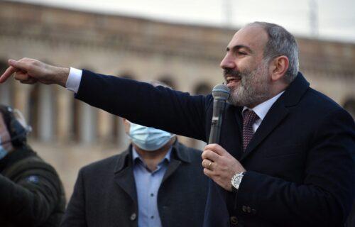 """""""Pašinjan MORA SIĆI sa vlasti"""": Opozicija poziva na pobunu u Jermeniji, demonstranti i danas na ulicama"""