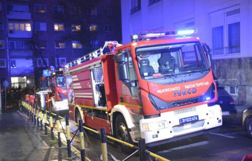 VELIKI POŽAR u Nišu: Gori zgrada, deset porodica ostalo bez krova nad glavom