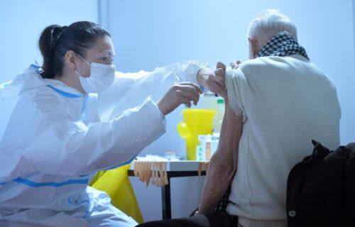 Nazire se KRAJ koroni: Stručnjaci OTKRILI kada ćemo pasti na manje od 100 zaraženih dnevno