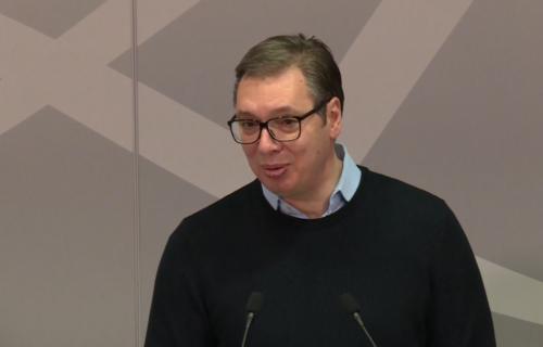 """Predsednik Vučić saopštio SJAJNE VESTI: """"Do sada smo obezbedili vakcinu i revakcinu za 1,4 miliona ljudi"""""""