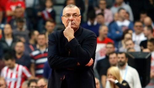 Hrvatskom treneru pozilo usred utakmice: Osetio je probleme sa srcem, pa momentalno podneo ostavku!