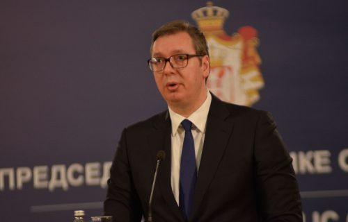 Predsednik Vučić otkrio koji automobil vozi: Mnogi će se iznenaditi (FOTO)