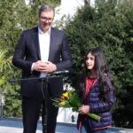 """Predsednik Vučić sa malom """"Darom"""": Ponosan sam što sam ugostio Biljanu i njenu porodicu (FOTO+VIDEO)"""