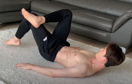 Ako želite mišićavu zadnjicu... 7 minuta vežbi koje možete da radite bilo gde (VIDEO)