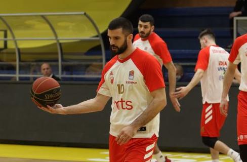 Lazić izgubio živce: Kapiten Zvezde laktom udario protivničkog igrača (VIDEO)