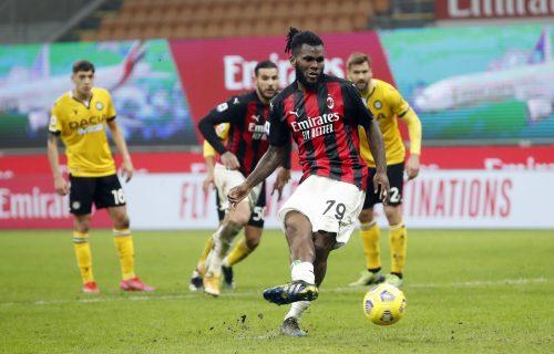 "Milan loš bez Ibrahimovića: Bolonja pala na Sardiniji, Atalanta ""petardom"" počastila Krotone (VIDEO+FOTO)"
