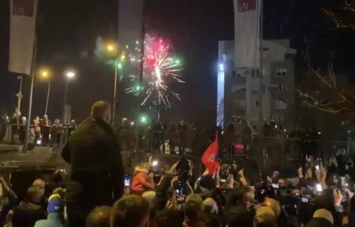 Sevalo je nebo, goreo je Novi Beograd: Sve to zbog Novaka Đokovića - spektakl za šampiona! (VIDEO)