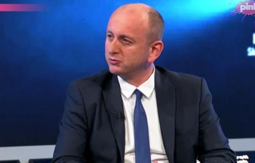 """""""Pre dva dana ga optužio da ruši državu, a sada se sastaju"""": Knežević OŠTRO o susretu Mila i Krivokapića"""