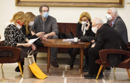 Srbija DEFINITIVNO u novom talasu: Oglasili se iz Kriznog štaba, evo šta kažu o pooštravanju MERA