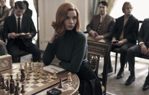 """Pomama za šahovskim tablama zbog """"Daminog gambita"""": Sada moraju da se naruče 2 godine unapred (FOTO)"""