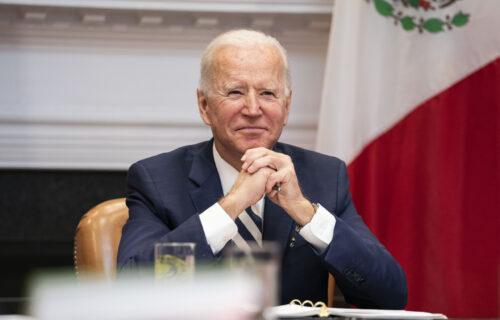 Bajden novi ISPAD maskirao kao šalu: Predsednik SAD ostao bez APLAUZA od strane Obalske straže (VIDEO)