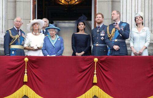 Besana noć u Bakingamskoj palati: Kraljica sastančila do jutra, čitava porodica u šoku (VIDEO)