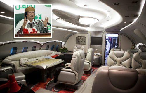 """Gadafijeva """"leteća palata"""" skuplja prašinu, a skupoceni Maybach traži kupca (VIDEO)"""