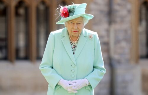 "Kraljica se preko bebe sveti Hariju? Nov potres na britanskom dvoru: Ove vesti su ""zapalile"" naciju"