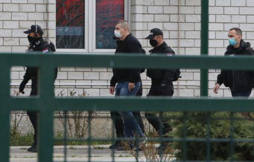 """Čovek koji je deo Kokezine """"carinske mafije"""" stigao na ispitivanje (FOTO)"""