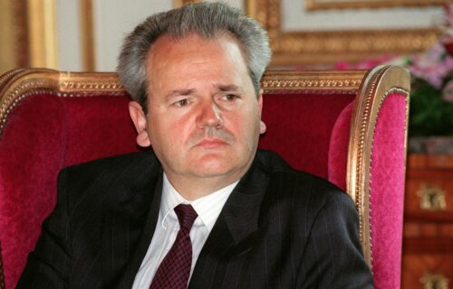 15 godina od smrti Miloševića: Njegov govor na Gazimestanu i danas ODZVANJA, sahranjen bez opela