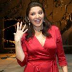 U sedmoj deceniji pleni izgledom: Glumica se uslikala bez šminke, njeno mladoliko LICE sve oduševilo!