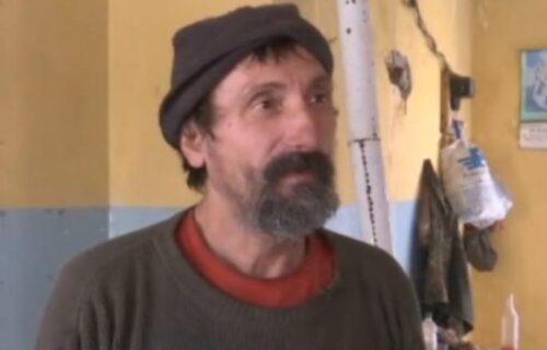 Milanu je POPLAVA odnela sve: Živi od pomoći komšija, ali ne želi da napusti dom (FOTO)