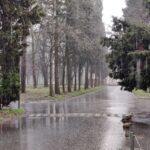 Danas VEOMA TOPLO, ali sa kišom: U ovom delu Srbije se očekuju oluja, grad i pljuskovi