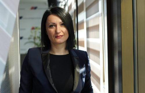 """Vladanka Malović RASTURILA Đilasa nakon psovki upućenih majci Vučića: """"Znam kako se OBOGATIO"""" (FOTO)"""