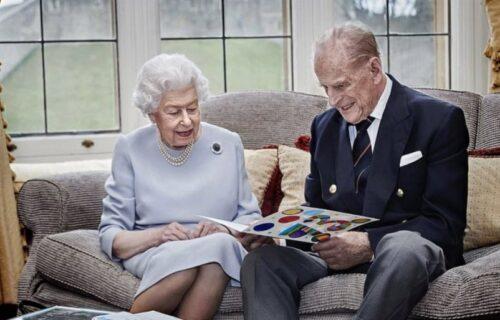 POSLEDNJA FOTOGRAFIJA princa Filipa i kraljice Elizabete: Zabeležen zadnji dirljiv trenutak para (FOTO)