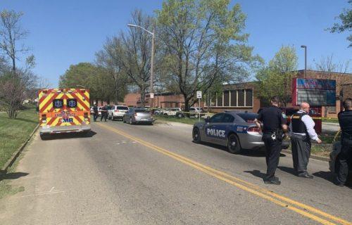 EPILOG PUCNJAVE u srednjoj školi u Americi: Jedna osoba ubijena, ranjen policajac