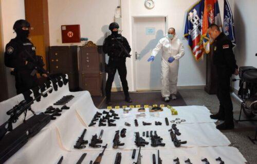 Oružje, mašine za mlevenje, TAJNA soba u Ritopeku: Evo šta je sve pronađeno u Veljinoj kući STRAVE (FOTO)