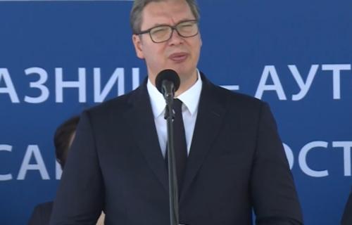"""Vučić o """"Non pejperu"""": Ovo ne liči na Angelinu Ajhorst, mi smo otvoreni za dijalog, ali neki drugi nisu"""