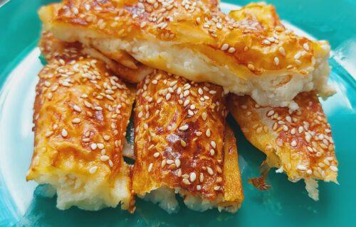 Nešto sasvim drugačije: Čarobna prelivena pita sa sirom (RECEPT+VIDEO)
