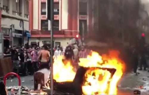 Neredi na severu Španije: Huligani pale kontejnere po ulicama Bilbaa! (VIDEO)