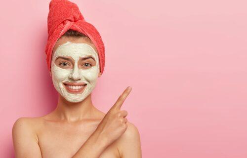 Smanjuje iritaciju i podmlađuje kožu: Domaća maska za lice od jogurta i meda (RECEPT)