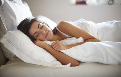 Noću spavate MANJE od 6 sati? Lekari kažu da imate 30 posto veće šanse za ovu OPAKU BOLEST