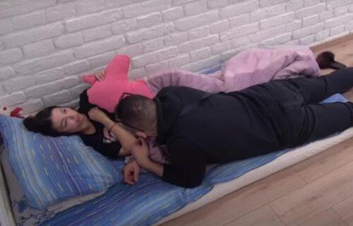 Car završio u Majinom krevetu: Njihova prisnost iznenadila je mnoge, Janjušu neće biti svejedno (VIDEO)