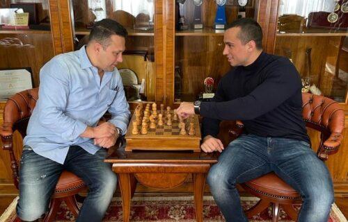 Velika čast za srpski borilački sport: Legendarni MMA borac u poseti kolegama iz naše zemlje! (FOTO)