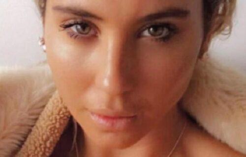 """""""Postavila sam bombu"""": Pijana manekenka prestravila putnike u avionu kada su odbili da joj donesu VINO"""