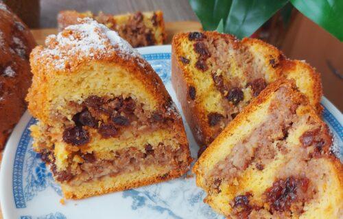 Miris koji će vam ulepšati dan: Mekan i sočan kolač sa suvim grožđem, jabukama i orasima (RECEPT+VIDEO)
