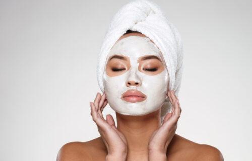 Hranite i redovno negujte kožu lica: Ovih pet kućnih MASKI ćete OBOŽAVATI