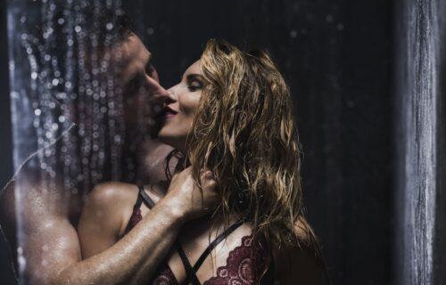 Muž ne može da me zadovolji, pa mi je našao ljubavnika, a uzbudila sam se kad sam videla koga je odabrao