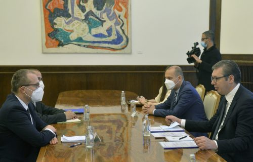 Vučić razgovarao sa regionalnim direktorom SZO: Srbija postala globalni LIDER u imunizaciji (FOTO)