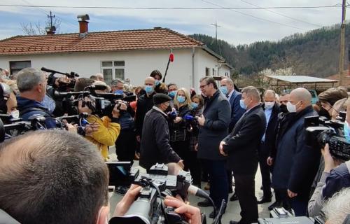 Deka u Rudnoj Glavi Vučiću ispričao POTRESNU životnu priču: Predsednik Srbije obećao pomoć