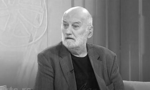 "Sahranjen Zoran Simjanović uz muziku iz ""Sabirnog centra"": Ispraćen uz reči – ""možeš mirno da odeš…"""
